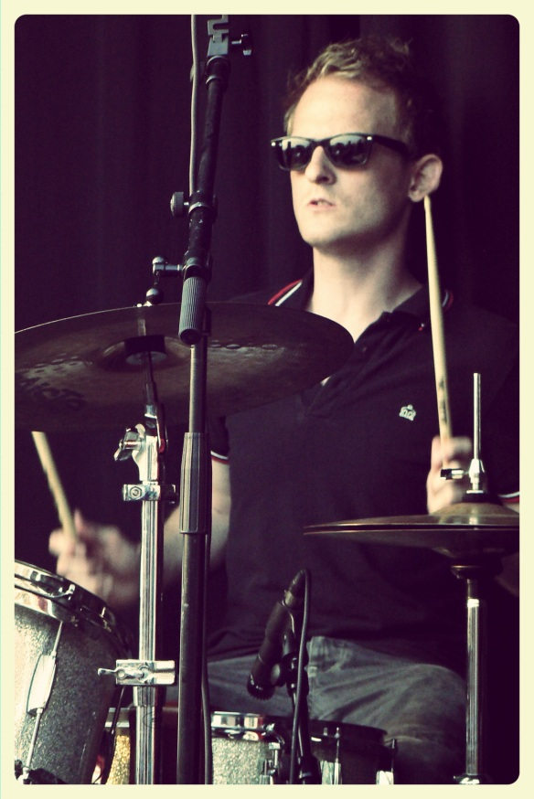 Name: Thomas De Boes Instrument: Drums (Gretsch Catalina Club jazz), Vocals
